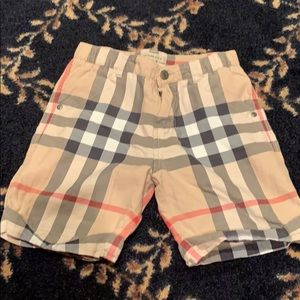 Oy Burberry shorts